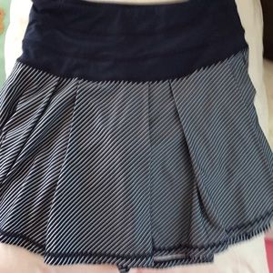 Workout skirt gently used w/zip pocket.